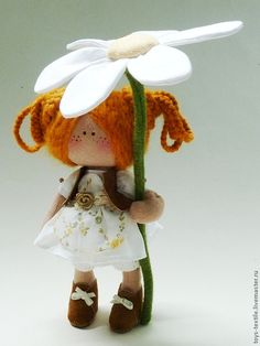 Romashunka Feld....(oooooooh, i so LOVE this little dolly! so absolutely ADORABLE under her big flower blossom!)....