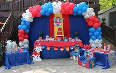 Throw an exceptional get-together for your children's birthday party with these 7 fascinating paw patrol party ideas. The thoughts must be convenient to those who become the true fans of Paw Patrol show. Bolo Do Paw Patrol, Paw Patrol Cake, Paw Patrol Party, Paw Patrol Balloons, Paw Patrol Birthday Theme, Puppy Party, 4th Birthday Parties, 3rd Birthday, Birthday Ideas