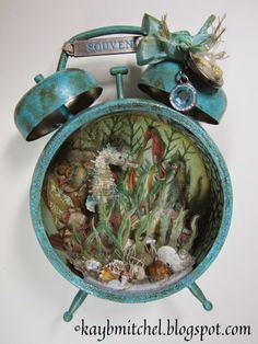 I am delighted to present you my interpretation of the latest Challenge - based on Tim Holtz Compendium of Curiosities III and host. Fun Crafts, Diy And Crafts, Arts And Crafts, Paper Crafts, Altered Tins, Altered Art, Tim Holtz, Liquor Bottle Crafts, Timmy Time