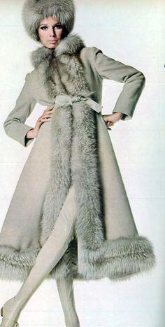 Oscar de la Renta coat Vogue 1967