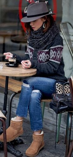 Looking for some winter outfit ideas? Here you have a 7 of them, ranging from comfy sweaters to tall boots. Cute casual winter outfits you can wear everyday Casual Winter, Winter Chic, Autumn Fashion Casual, Fall Winter Outfits, Autumn Winter Fashion, Winter Snow, Winter Wear, Winter Style, Dress Winter
