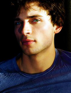 I absolutely love Tom Welling's eyes. He's my favorite Superman. Since Smallville is the first Superman thing I've watched, he's the one I love.