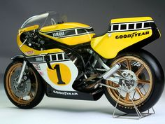 To know more about YAMAHA (kenny roberts), visit Sumally, a social network that gathers together all the wanted things in the world! Featuring over other YAMAHA items too! Motos Yamaha, Yamaha Motorcycles, Scrambler, Grand Prix, Vintage Bikes, Vintage Motorcycles, Moto Design, Course Moto, Gp Moto