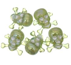 21x21mm Green Skull Head Acrylic Plastic Spacer Charms Pendant Beads http://www.eozy.com/21x21mm-green-skull-head-acrylic-plastic-spacer-charms-pendant-beads