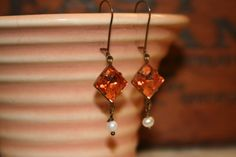 Vintage Czech glass earrings featuring 10mm square rosaline pink jewel.  Tilliegirlstudio