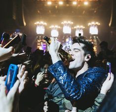 Brendon Urie - Panic! At The Disco // Death Of A Bachelor Tour