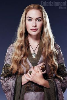 Cersei Lannister (Lena Headey) 'Game of Thrones' Season Costume designed by Michele Clapton. Cersei Lannister, Daenerys Targaryen, Jaime Lannister, Game Of Thrones Cersei, Game Of Thrones Costumes, Game Of Thrones Tv, Xena Warrior Princess, Lena Headey, Winter Is Coming