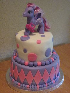 What little girl wouldn't go crazy for a my little pony cake!?