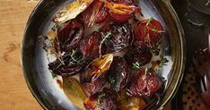 Cider and balsamic caramelised onions White Balsamic Vinegar, Barbecue Recipes, Bbq, Roast Dinner, Caramelised Onions, Vegetable Sides, Appetisers, Pot Roast, Vegetables