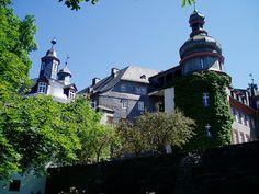 Schloss Berleburg, die Schlossdächer, vom Park aus gesehen.