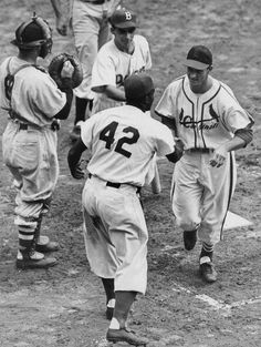Here Jackie Robinson & Stan Musial in All-Star Game this day 1949--first to include African-American players: pic.twitter.com/p7RlWV7V5g