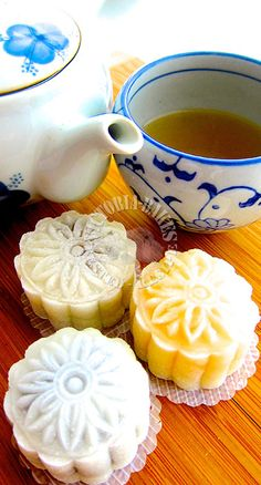 snowskin mooncakes with homemade filling o (◡‿◡✿)