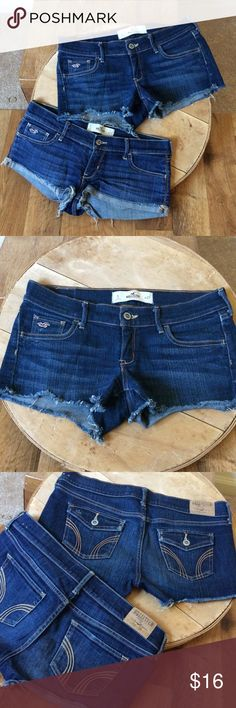 2Hollister shorts 27 Great condition! Size 27 Hollister Shorts Jean Shorts