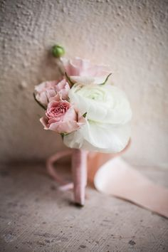style me pretty - real wedding - mexico - los cabos wedding - cabo del sol - groom - getting ready - boutonniere