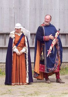 - Norman re-enactment. Medieval Party, Medieval Costume, Medieval Dress, Medieval Fantasy, Renaissance Clothing, Medieval Fashion, Historical Costume, Historical Clothing, Historical Photos