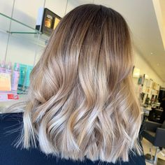 Layered hair is great but there is something about a blunt cut that just works. Having your hair all the same length can really make it easier to styl... Bob Cuts, Blunt Cuts, Blunt Hair, Layered Hair, Your Hair, Short Hair Styles, Hair Color, Outfits, Beauty