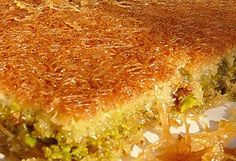 kataifi with pistachios Greek Recipes, Desert Recipes, Food Network Recipes, Cooking Recipes, Greek Sweets, Greek Beauty, Arabic Food, Betty Crocker, Quiche