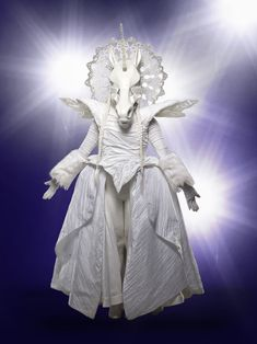 Unicorn is listed (or ranked) 8 on the list All The Clues For The Masked Singer . - Unicorn is listed (or ranked) 8 on the list All The Clues For The Masked Singer Competitors - Silver Puffer Jacket, Dark Costumes, Halloween Costumes, Alien Photos, Singer Costumes, Unicorn Mask, Unicorn Costume, Peacock Photos, Monster Photos