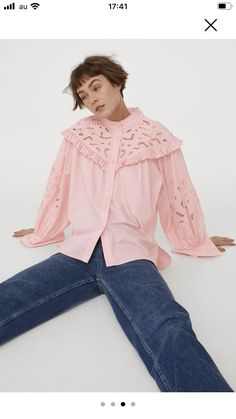 Hm Outfits, Pink Lady, Trending Now, Fashion Company, Neue Trends, World Of Fashion, Sliders, Personal Style, Bell Sleeve Top