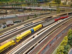 The Key To Keeping Trains In Mint Condition Protected From Dirt, Dust And Grime - Model Train Buzz N Scale Trains, Rail Transport, Carnival Rides, Electric Train, Rolling Stock, Train Layouts, Best Model, Ho Scale, Model Trains