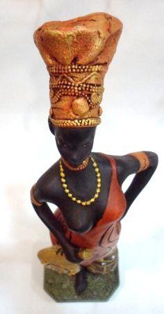 Africana guerreira - peça em gesso