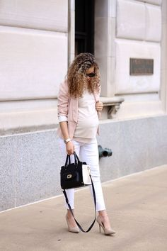 2 chic ways to wear white jeans to work Maternity Business Casual, Casual Maternity Outfits, Maternity Work Clothes, Stylish Maternity, Pregnancy Outfits, Business Casual Outfits, Maternity Wear, Maternity Fashion, Maternity Style