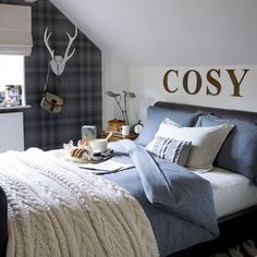 We could spend the whole of January in this cosy bedroom!