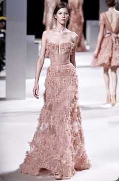 Can you even stand how gorgeous this Ellie Saab gown is?!