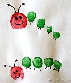 Mit Fingerabdrücken die Raupe Nimmersatt mit den Kindern malen
