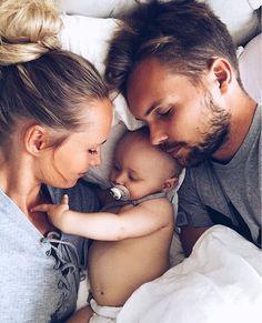 WEBSTA @ joannajohanssonx - Rainy days! #cuddle #family #love