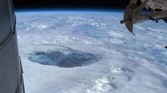 ''Há um outro sol e uma civilização tecnologicamente avançada habitando o centro da terra'' Dizem pesquisadores ~ Sempre…