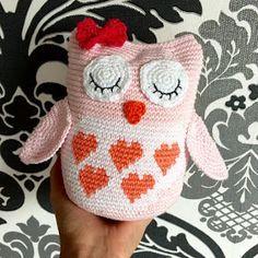 The Ligny Creations: Owls crochet pattern Owl Crochet Patterns, Crochet Owls, Crochet For Kids, Crochet Animals, Amigurumi Patterns, Knit Crochet, Crochet Hearts, Knitted Owl, Crochet Fashion