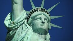 New York offers several tours of Statue of Liberty and Ellis Island: Morning, Afternoon and Extended Downtown. Our tours include priority access which help avoid long lines. Ellis Island, Times Square, Visa Usa, New York Pas Cher, Blockchain, Monte Kilimanjaro, Statues, New York Tipps, Vivre A New York