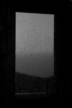 Stars fell on Livaniana Black Aesthetic Wallpaper, Aesthetic Backgrounds, Aesthetic Iphone Wallpaper, Aesthetic Wallpapers, Dark Wallpaper Iphone, Sad Wallpaper, Screen Wallpaper, Night Rain, Rainy Night