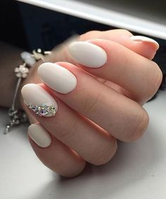 22 Terrific Wedding Nail Art Designs You Would Love To