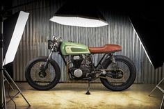 HONDA CB360 Cafe Racer BY PUREBREED CYCLES #motorcycles #caferacer #motos | caferacerpasion.com