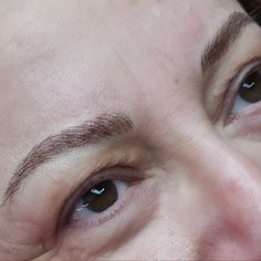 This is how natural hair imitation looks on your eyebrows to make it perfect  NO pain NO blood NO swelling . . . #alesya_spmu #hairimitation #semipermanentmakeup #spmu #micropigmentation #permanentmakeup #eyebrows #eyebrowstattoo #tattooeyebrows #luxury #beirut #lebanon #browsonfleek