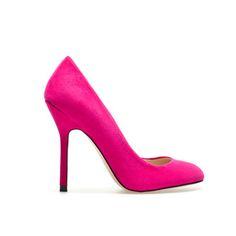 This hot pink pair of pumps from Zara have a rounded toe, which will make your feet look dainty.