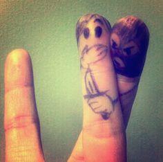 指が指を人質に取るフィンガーアート