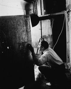 """""""British archaeologist Howard Carter opens the door to the second of four gold shrines surrounding the sarcophagus of Pharaoh Tutankhamen, better known as King Tut, Valley of the Kings, Egypt, Valley Of The Kings, The More You Know, Historical Photos, Two By Two, The Past, British, Black And White, Pictures, Image"""