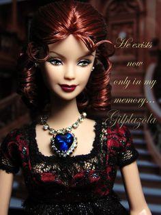 "barbie Kate Winslet ""Titanic"" Titanic Dress, Barbie Celebrity, Badge Creator, Titanic Jewelry, Body Workout At Home, Beautiful Dolls, Beautiful Clothes, Kate Winslet, Black Backgrounds"