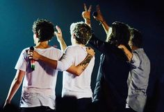 one direction, liam payne, and niall horan image Zayn Malik, Niall Horan, Harry Styles, Harry Edward Styles, One Direction Pictures, I Love One Direction, Liam Payne, Louis Tomlinson, Larry