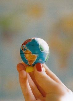 world, globe, and photography image We Are The World, Small World, Map Globe, Girl Meets World, Portrait, Beautiful World, Beautiful Things, We Heart It, Miniatures