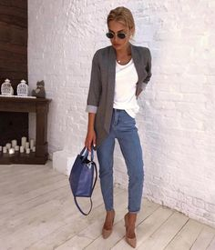 Today's choice - simple basic outfit  more on our blog, link in bio
