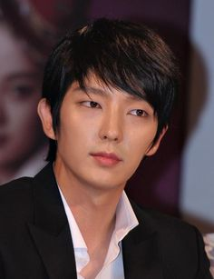 """For a while Kim Soo Hyun seemed a likely candidate for the role of a scholarly vampire in """"The Scholar Who Walks At Night."""" But now that the actor has chosen to appear in the upcoming drama """"Producers,"""" Lee Jun Ki is the next contender. Lee Jun Ki, Lee Min Ho, Lee Joongi, Korean Male Actors, Asian Actors, Korean Men, Asian Men, Asian Guys, Korean Celebrities"""