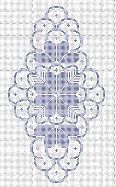 Centro de mesa em crochê filé com motivo floral