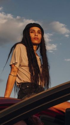Zoey is festival-ready. Love that hair! Channel your inner hippie/Zoey Kravitz and rock your bohemian braids. Pure Wavy bulk hair can be used for Brazilian Knots and braiding. Keep the braids chunky and loose at the ends for a full-on boho effect. Lisa Bonet, Bohemian Braids, Boho, Brazilian Hair Treatment, Zoe Kravitz Style, Zoe Isabella Kravitz, Brazilian Hair Bundles, Keratin Hair, Flat Twist