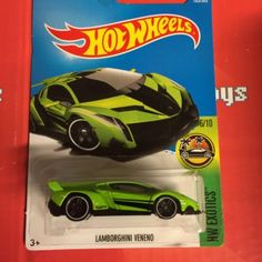 Lamborghini Veneno #165 Green 2017 Hot Wheels Case G *New* 1