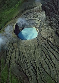 Rincón de la Vieja is an active andesitic complex volcano in north-western Costa Rica, about 25 km from Liberia, in the province of Guanacaste.