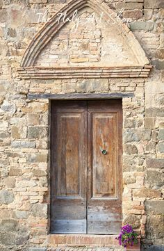 An old door in Tuscany.  For a full view of this fine art print, visit The Italy Art Shop on Etsy! #italyart
